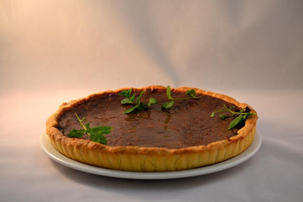 tarte au chocolat et feuilles de menthe