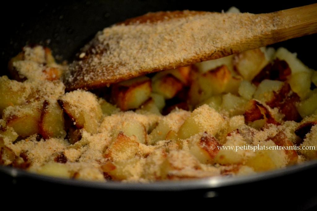 chapelure sur pommes de terre rissolées