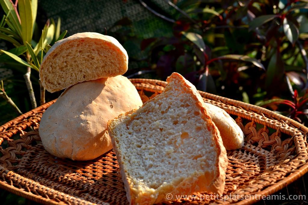 pain maison sur panier