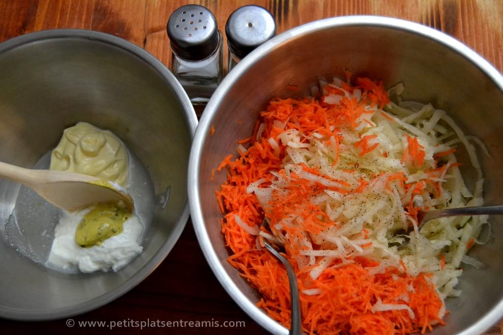 préparation salade coleslaw