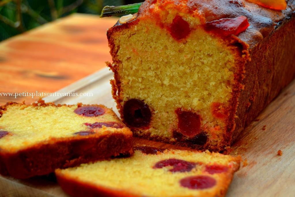 cake aux cerises confites en tranches