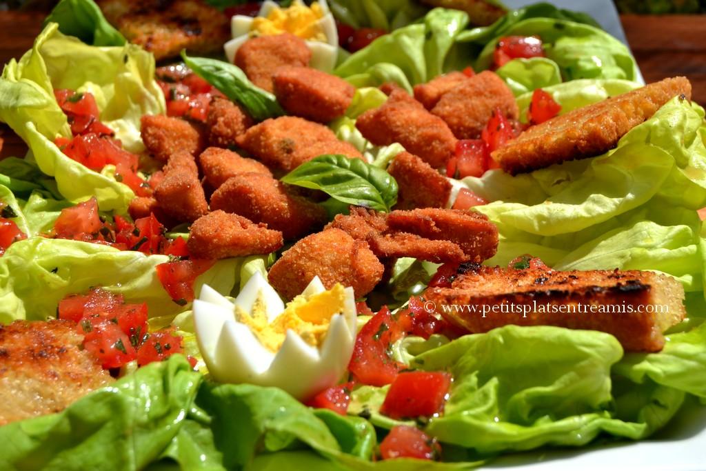 présentation salade aux croutons de pintades