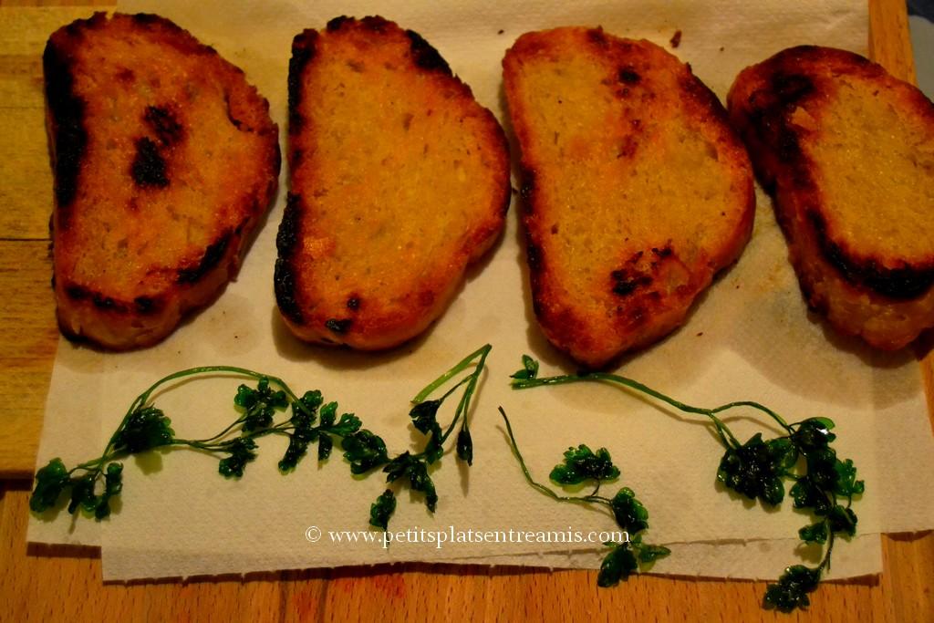 tartines et persil frits