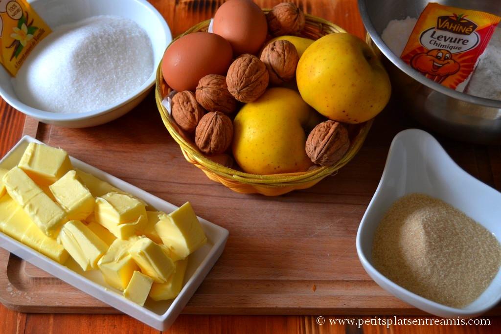 ingrédients cake aux pommes & noix