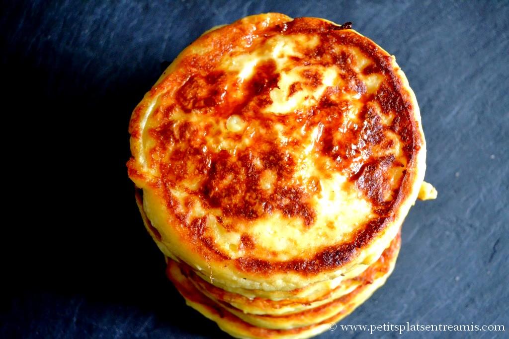 pile de pancakes aux pommes de terre