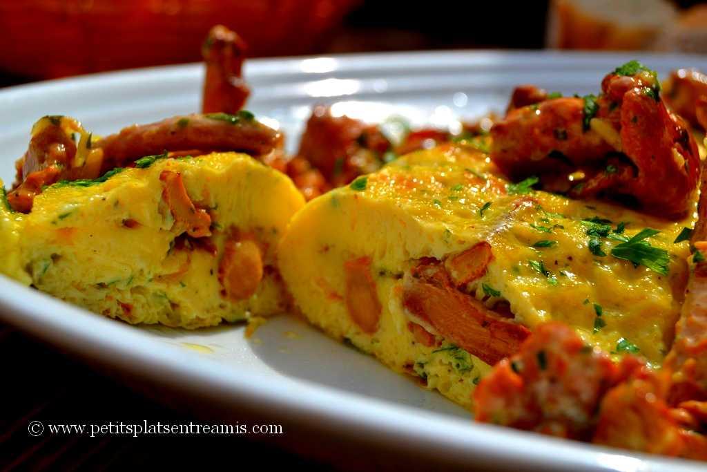 omelette aux girolles découpée