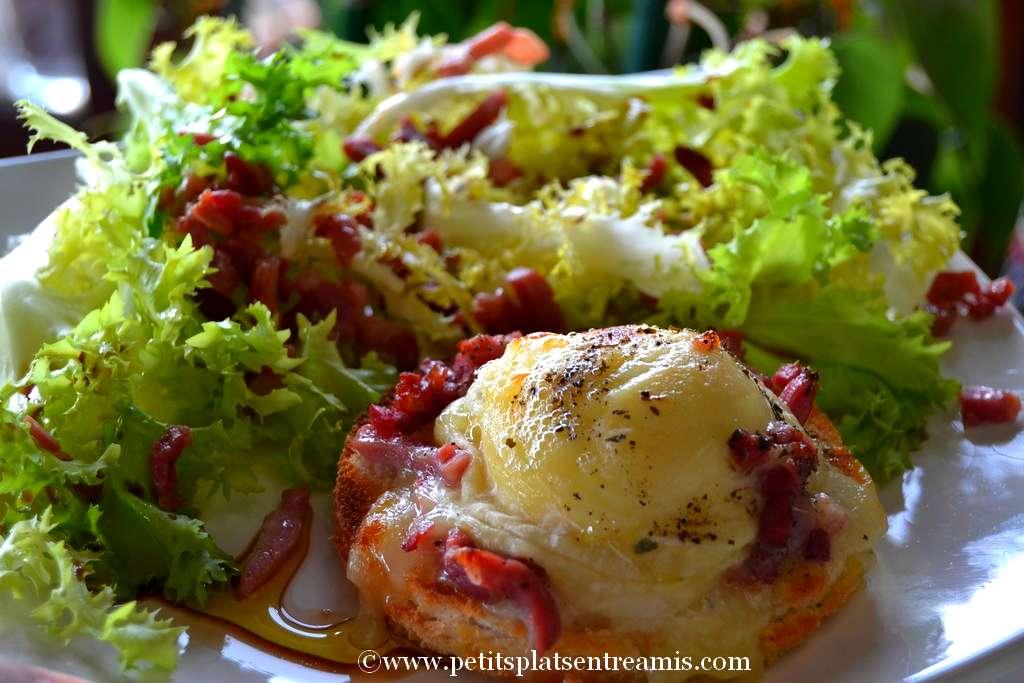assiette de salade au chèvre chaud