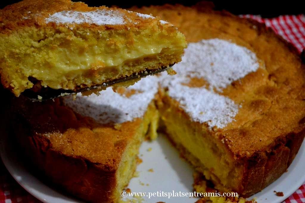 gâteau basque sur assiette