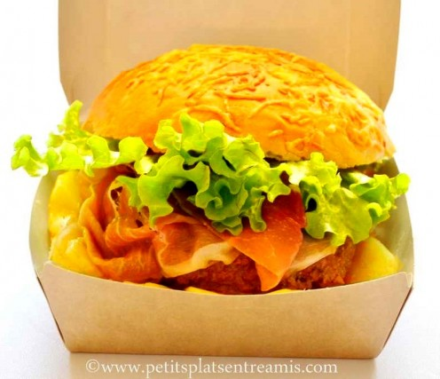 hamburger savoyard dans sa boite