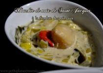 Bouchée de noix de Saint-Jacques à la fondue de poireaux