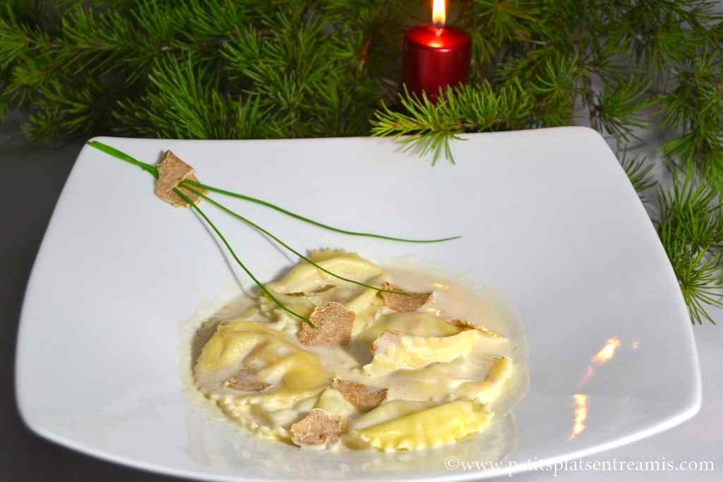 assiette de ravioles de foie gras à la truffe blanche