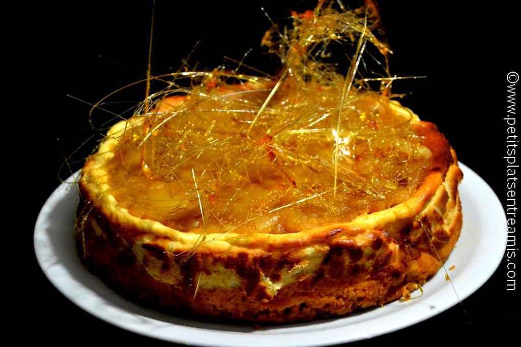 présentation gâteau au fromage blanc et pommes caramélisées