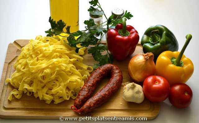 Ingrédients pour tagliatelles aux poivrons et chorizo
