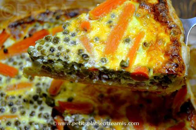 part de tarte aux petits pois et carottes