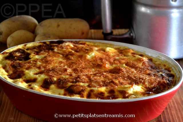 plat de flan de pommes de terre au reblochon