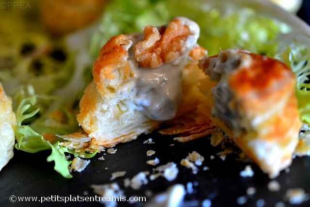 bouchées-feuilletées-bleu-d'Auvergne-et-noix croquée