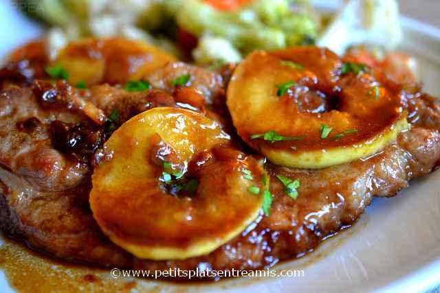 Côtes de porc laquées aux pommes à la une