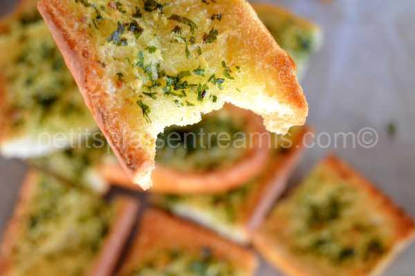 bouchée de pain-à-l'ail