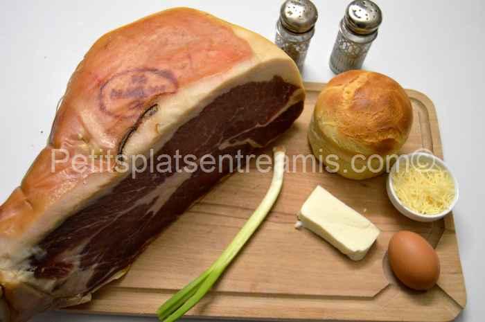 ingrédients pour bol de pain, jambon cru oeuf fromage