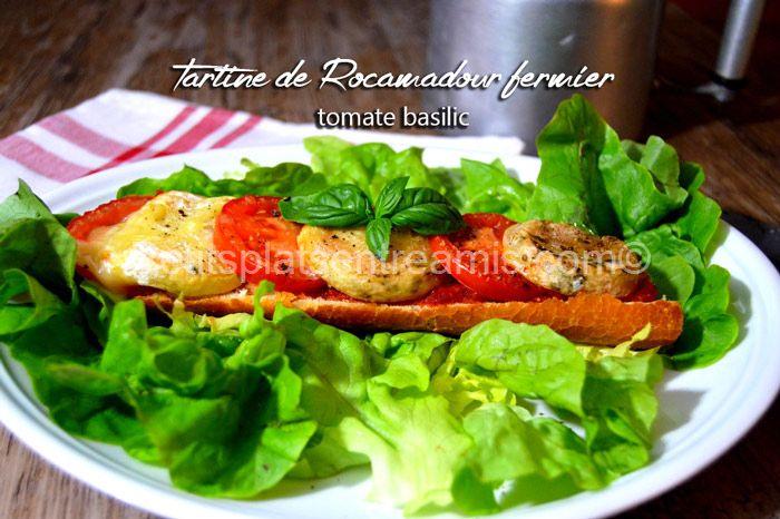 Tartine-de-Rocamadour-fermier-tomate-basilic