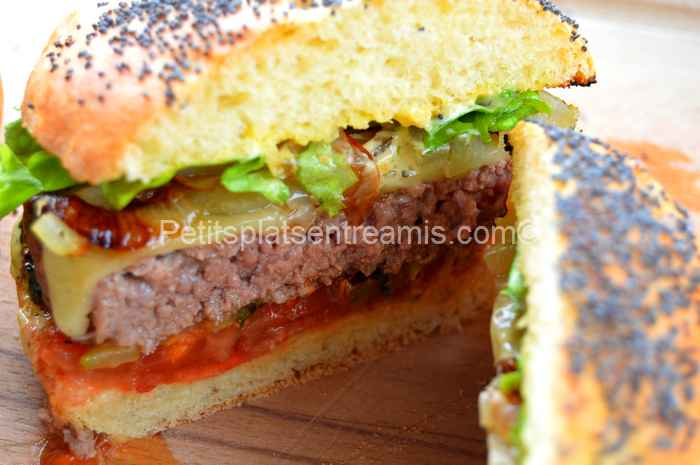 burger de boeuf sauce béarnaise tranché