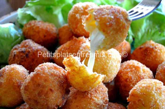 bouchée de croquette de pommes de terre et mozzarella