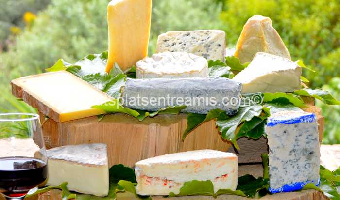 plateau de fromages présenté