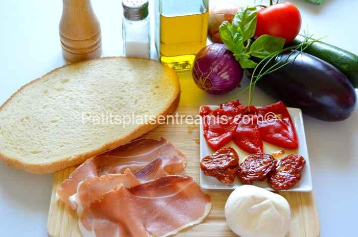 ingrédients bruschetta au jambon cru et légumes du soleil