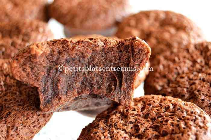 bouchée de petits-gâteaux-au-nutella
