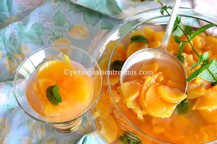 recette soupe-de-pêches-à-la-menthe-fraîche
