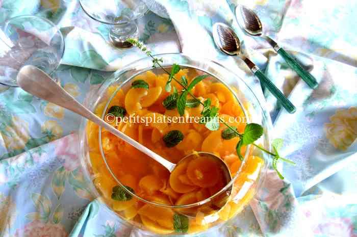 soupe-de-pêches-à-la-menthe-fraîche recette