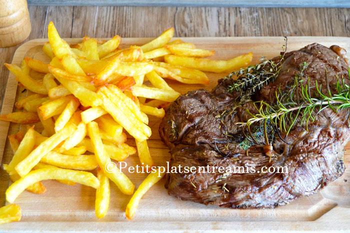 Rumsteak-grillé-et-frites-maison-recette