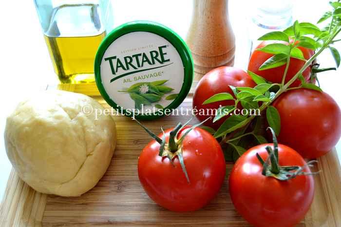 ingredients-de-la-tarte-aux-tomates-et-tartare-ail-sauvage