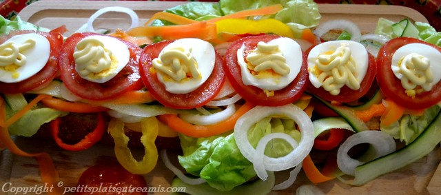 oeufs mayonnaise dans sandwich dinde