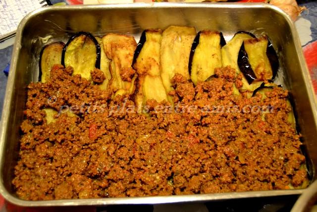 plat de lasagnes d'aubergines