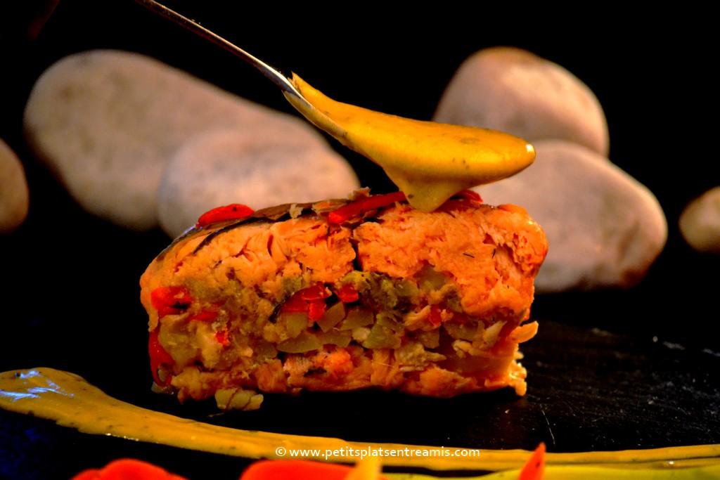 Part de saumon farci aux petits légumes