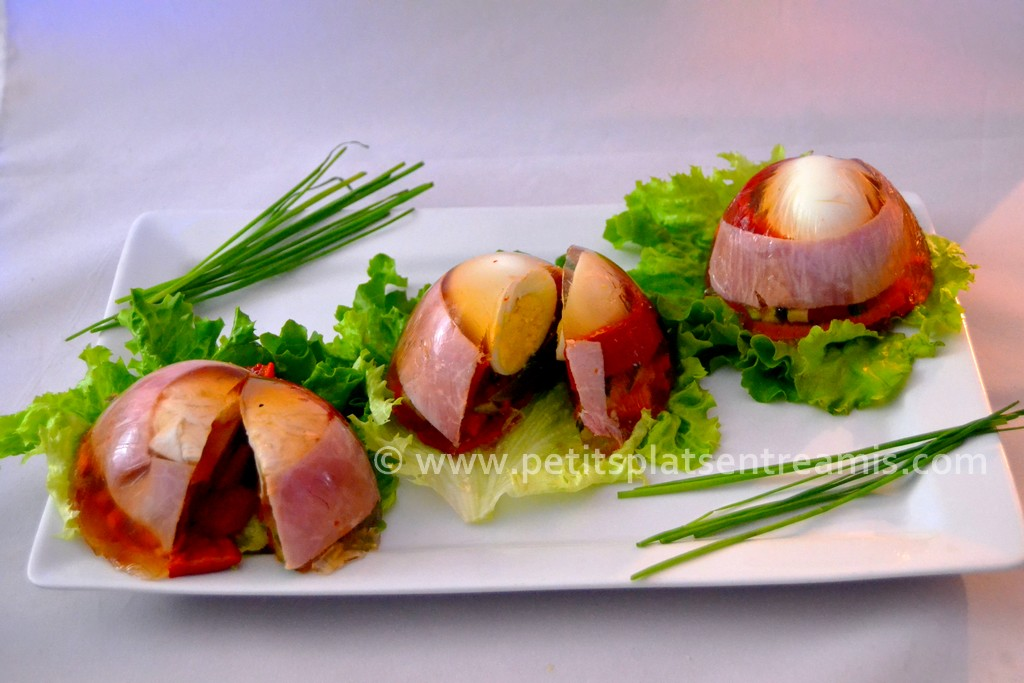assiette d'oeufs en gelée