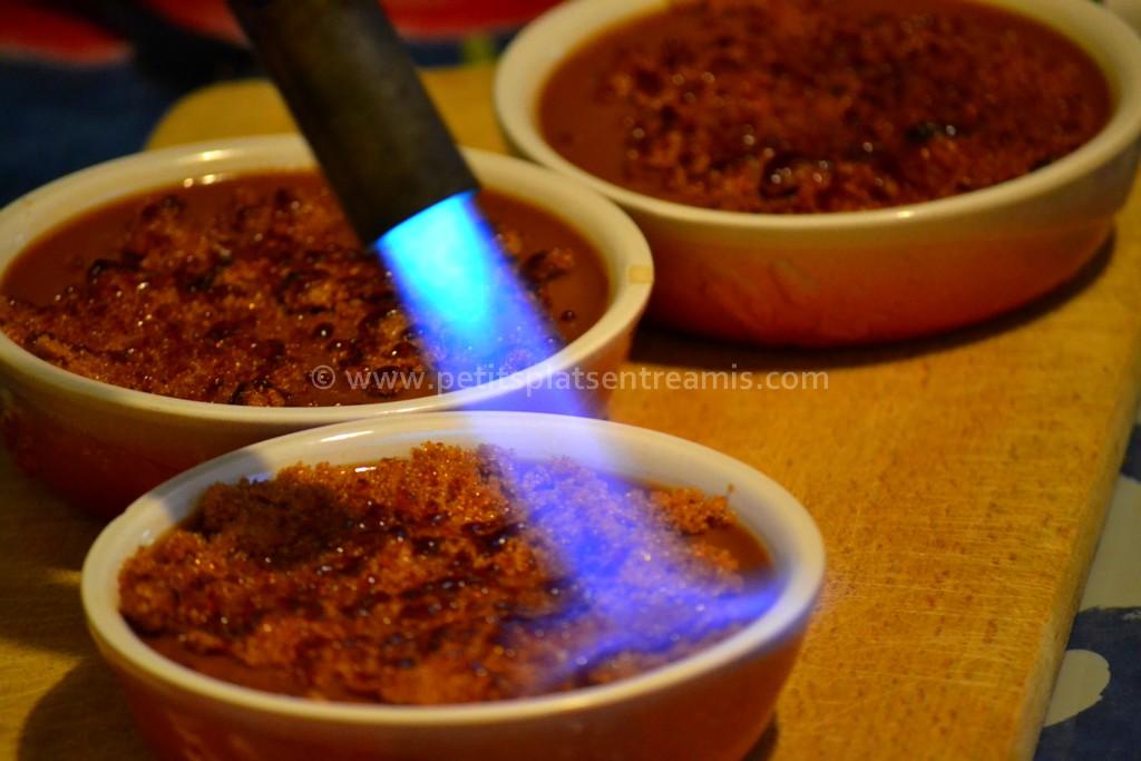 chalumeau sur crème brûlée