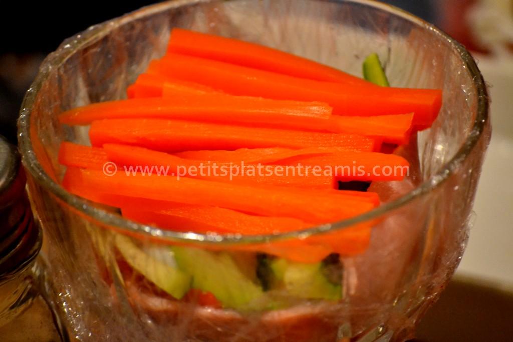 légumes disposés pour oeufs en gelée