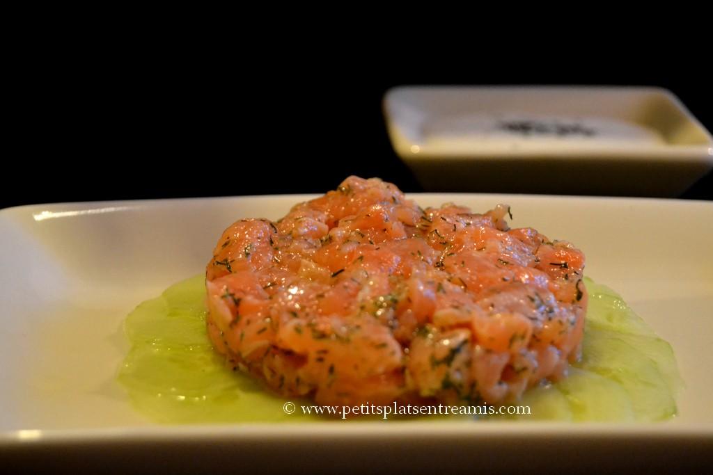 assiette de tartare de saumon