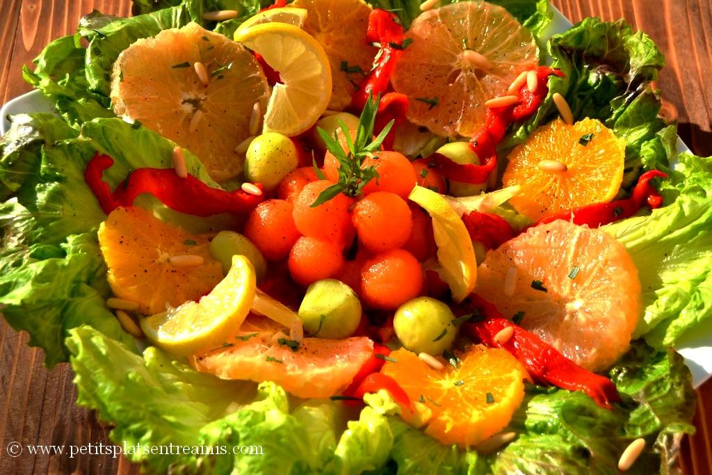 assiette de salade légère aux couleurs du printemps
