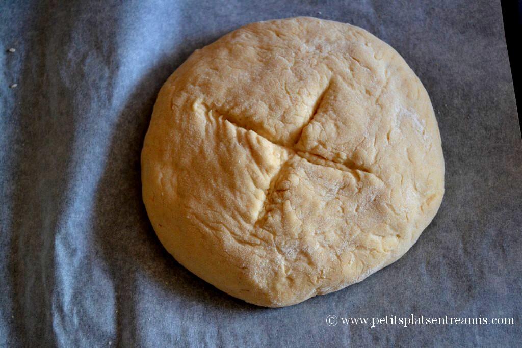 Façonnage pâte à pain pour sandwich