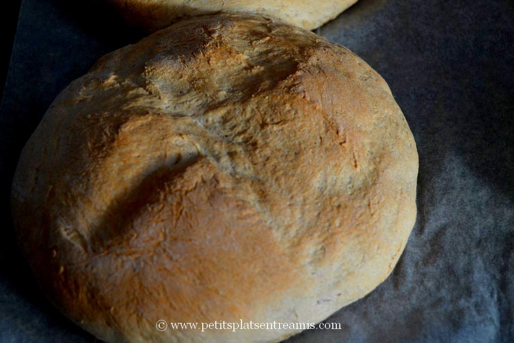 pain à sandwich sorti du four