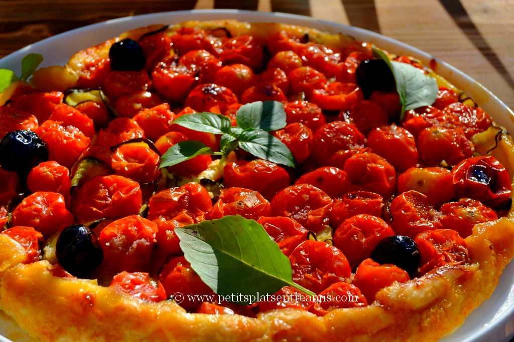 plat de tarte Tatin aux tomates cerises