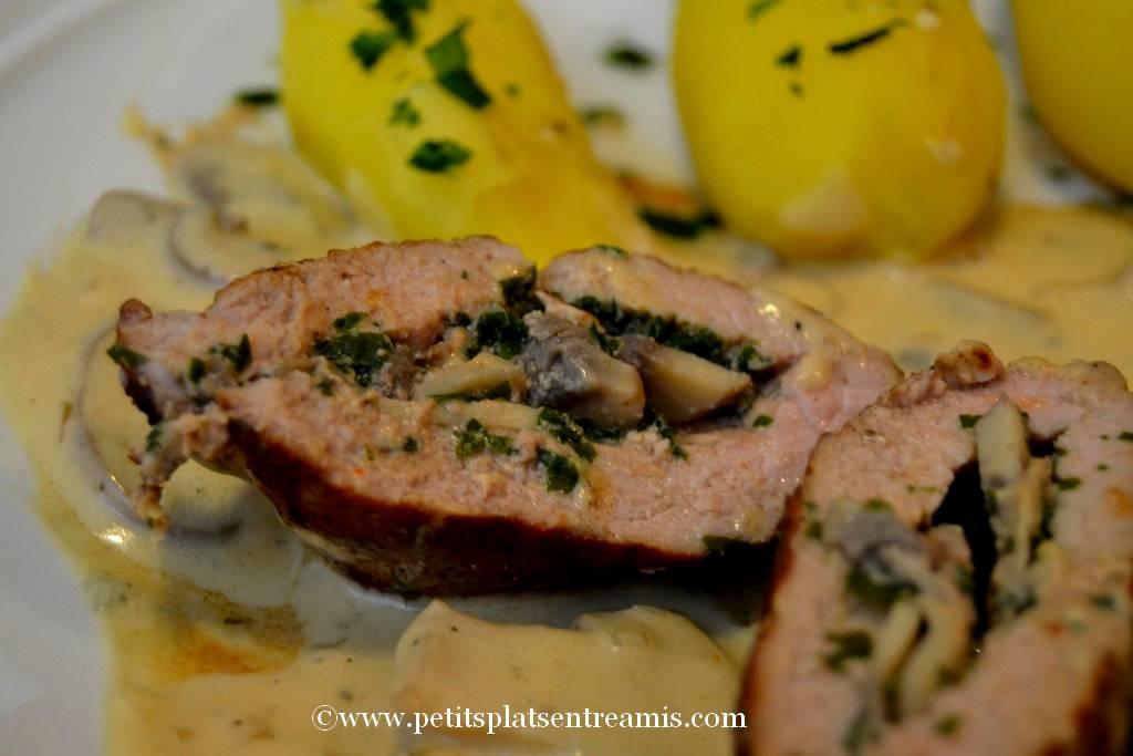 escalope de veau farcie aux champignons sur assiette