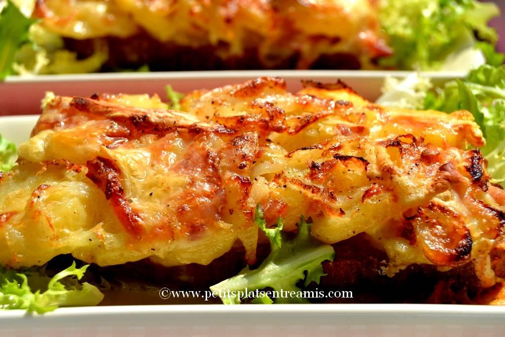 tartine de tartiflette sur salade