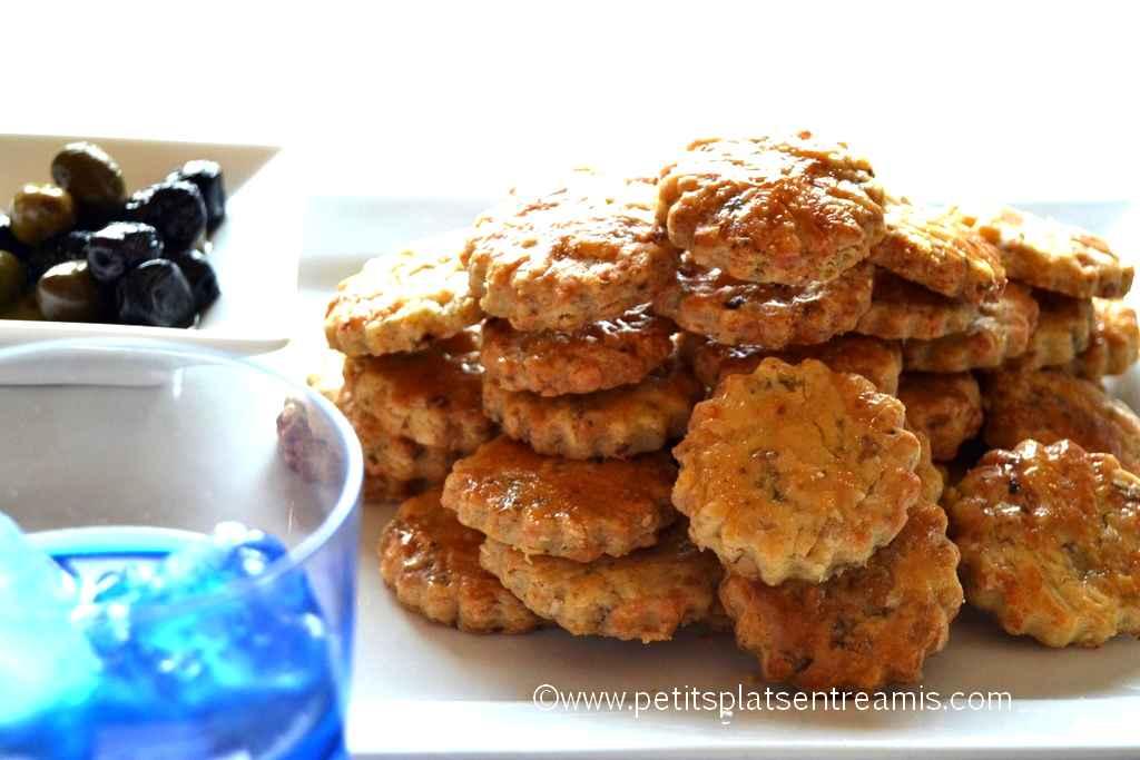 assiette de sablés apéritifs au bleu