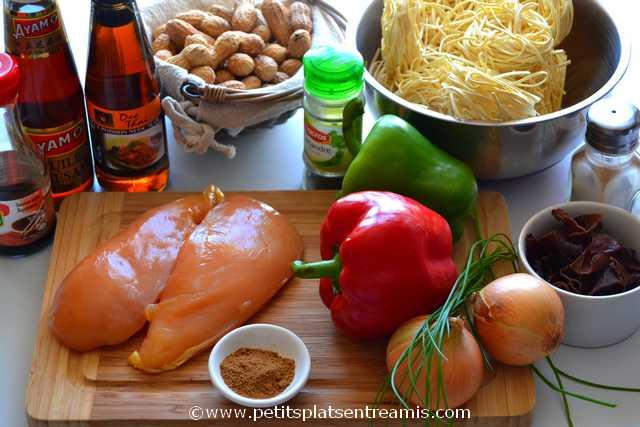 ingrédients pour poulet sauté aux nouilles chinoises