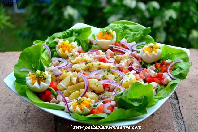 plat de salade de pommes de terre