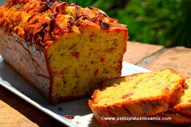 parts de cake-lardons-oignons-rouges